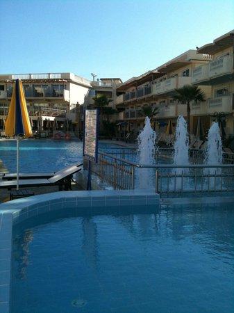 Zante Maris Hotel:                   Zante Maris pool