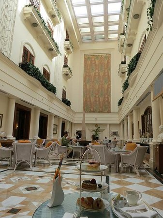 Afternoon tea at the Imperial Hotel Delhi : The Atrium