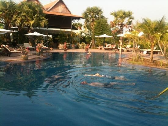 Battambang Resort: superbe piscine