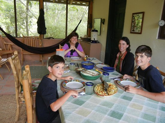 El Refugio de Intag Lodge:                                     the dining room