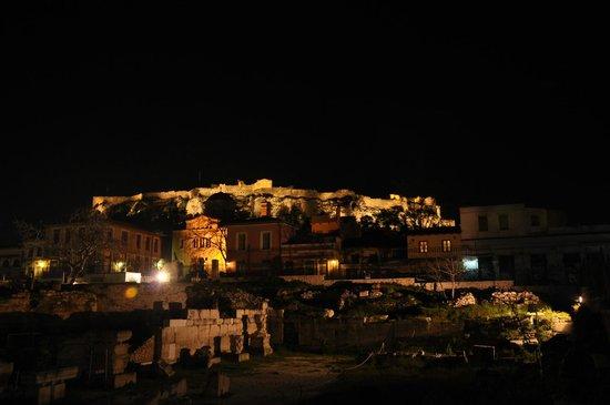 BEST WESTERN Amazon Hotel:                   L'Acropolis veduta da pochi metri alle spalle del Hotel