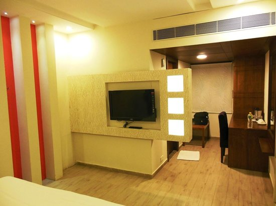 Hotel Ananth Executive:                   Bed Room