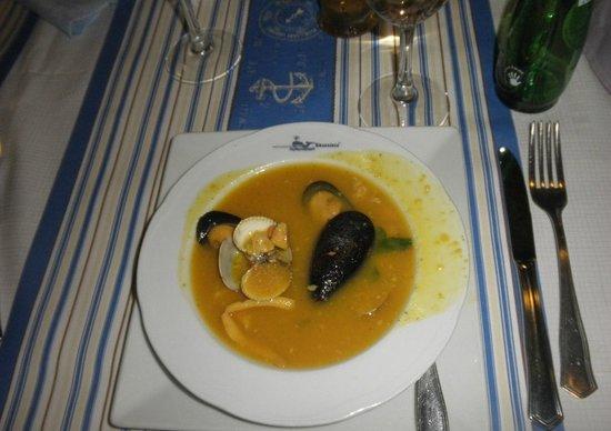 El Chacalote:                   sopa de pescado y marisco