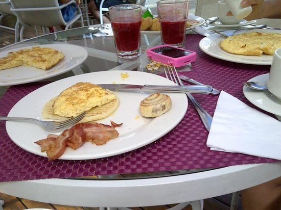 NH Collection Royal Medellin:                   breakfast