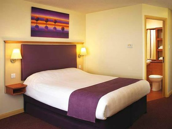 Cheap Hotels In Crawley Town Centre