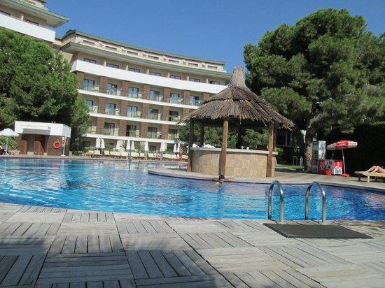 Voyage Belek Golf & Spa:                   Relax Havuz