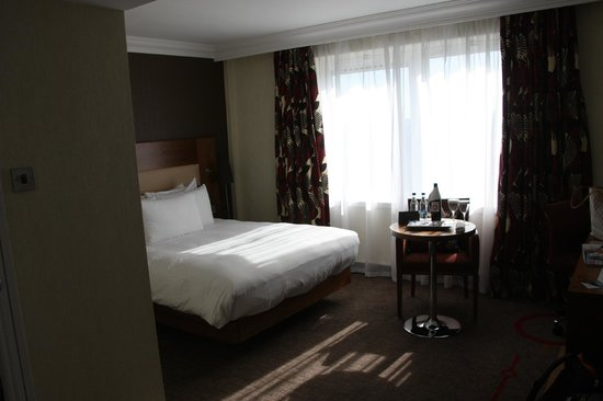 Hilton London Olympia:                   Bed