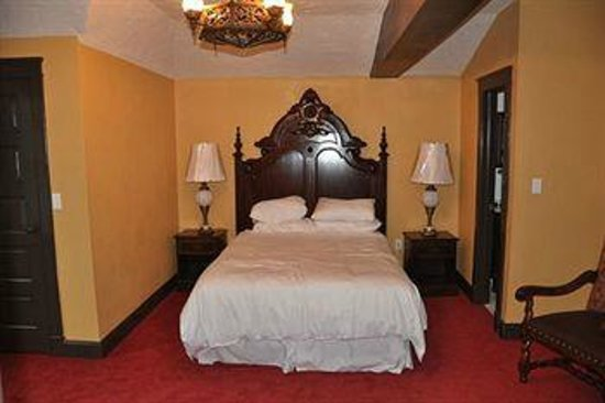 The Old English Inn: Suite Room