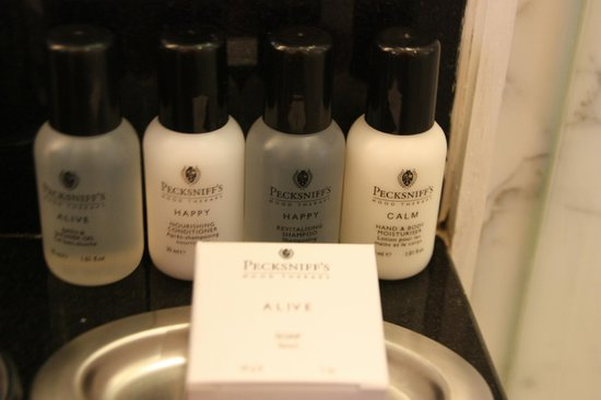 The Shelbourne Dublin, A Renaissance Hotel:                   Bath Amenities