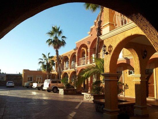 Hotel Angra (visto dall'ingresso)