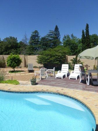 Cosimi Guest House:                   La piscine