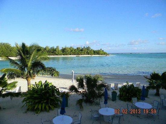 Muri Beach Club Hotel:                   View of Lagoon from Lounge