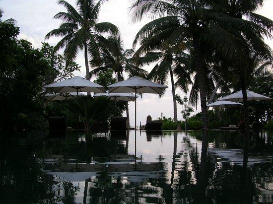 Dhevatara Beach Hotel:                   vue mer