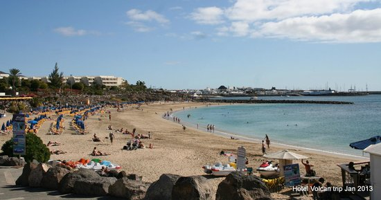 Hotel THe Volcan Lanzarote:                   nearby beach (15mins) hotel in far background