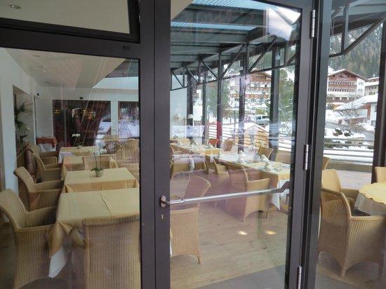 Gran Baita Sport & Wellness Hotel:                   Ontbijt ruimte