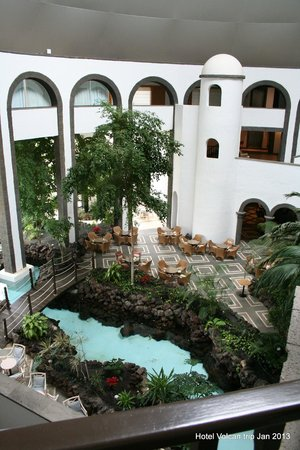Hotel THe Volcan Lanzarote:                   Inside reception building