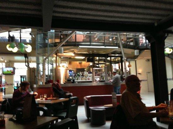 Zerodegrees - Cardiff: bar area