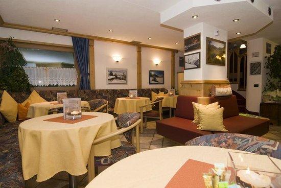 Hotel Daniela: Sala Bar