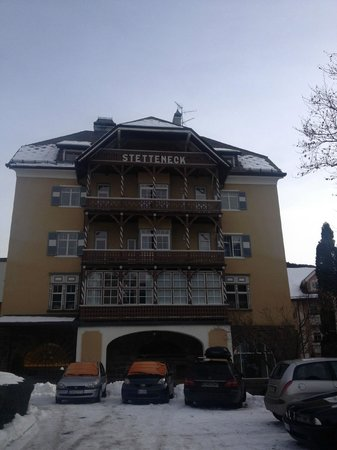 Hotel am Stetteneck :                   Hotel from the its private parking