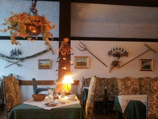 Hotel Valérie :                   salle à manger