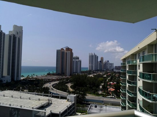 Sole on the Ocean:                                     Departamento Ocean Reserve, Sunny Isles