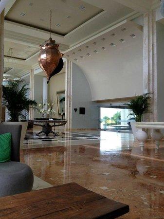 Iberostar Cancun:                   When you walk in