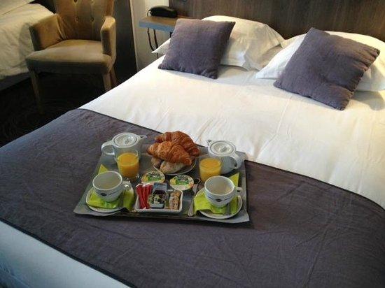 Hotel Central: Petit Déjeuner en chambre