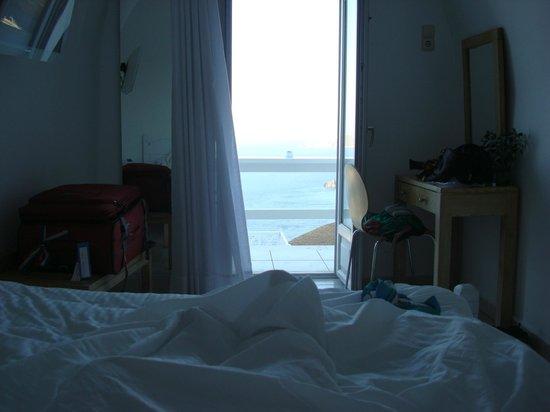 Hotel Thireas:                   desde la cama