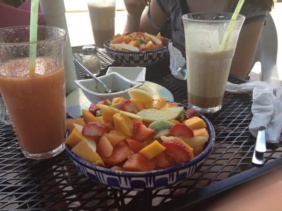 Cafe Hidalgo:                   fruit salad