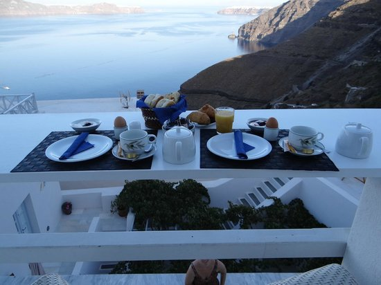 Hotel Thireas:                   Desayuno