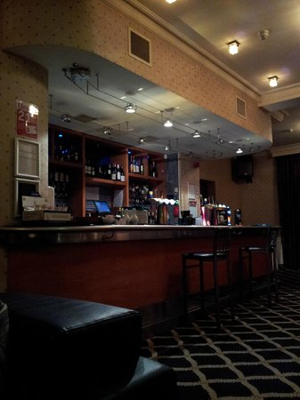 North Stafford Hotel: Hotel lounge bar