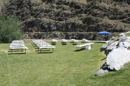 Salmon Rapids Lodge: Outdoor Venue