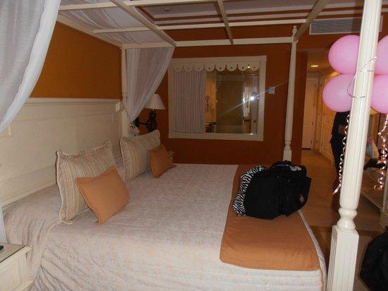 Luxury Bahia Principe Esmeralda Don Pablo Collection:                   bedroom with king bed