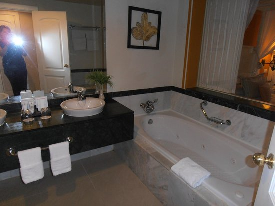 Luxury Bahia Principe Esmeralda Don Pablo Collection:                   bath, awesome bathrooms, pictures doesn't do it justice