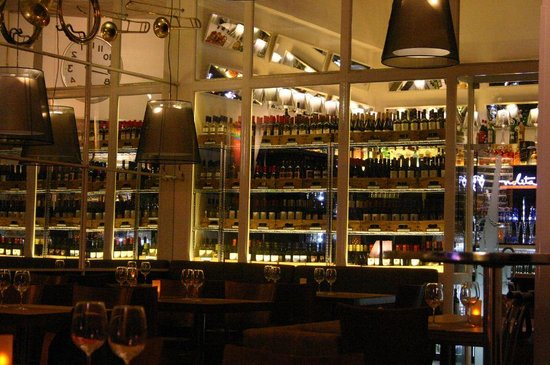 Isidora Resto fusion & lounge