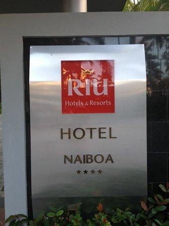 Hotel Riu Naiboa: insegna