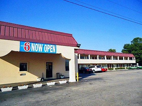 Photo of Motel 6 Durham