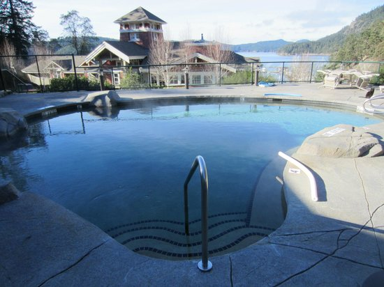 Poets Cove Resort & Spa:                   Upper Pool