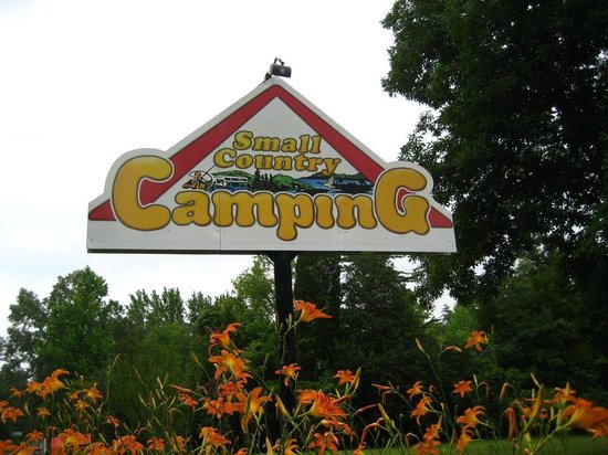 Small Country Campground: Front entrance