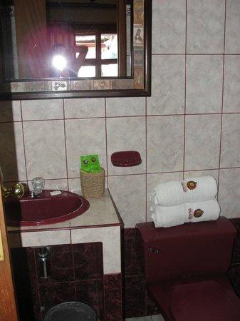 Hotel La Cabana Machu Picchu:                   Banheiro