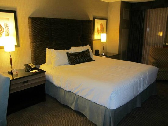 New York - New York Hotel and Casino:                   Lower end bedroom. Plenty of space!