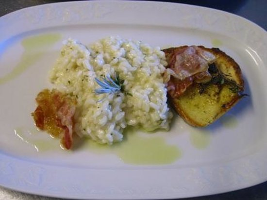 Country Resort and SPA Capo Nieddu:                                     Risotto all'Elicriso con crostone aromatico e pancetta crocc