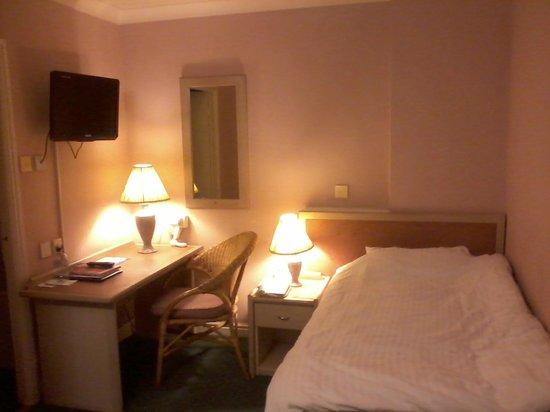 Gardens Hotel:                   Room 309