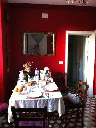 5 Balconi: table du petit déjeuner