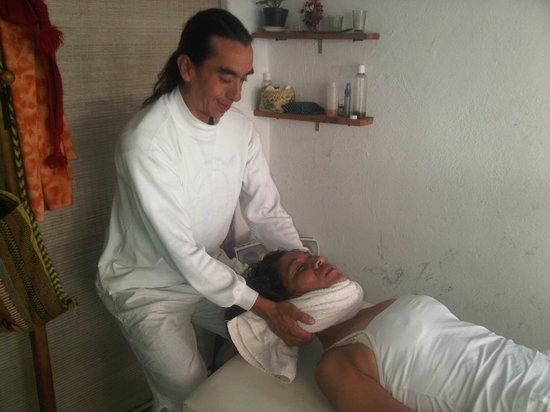 Tepoztlan, Mexiko: Masaje Quiropractico, Alineacion de Columna