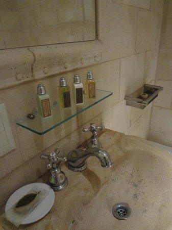 L'Hotel Palermo:                   Salle de bains