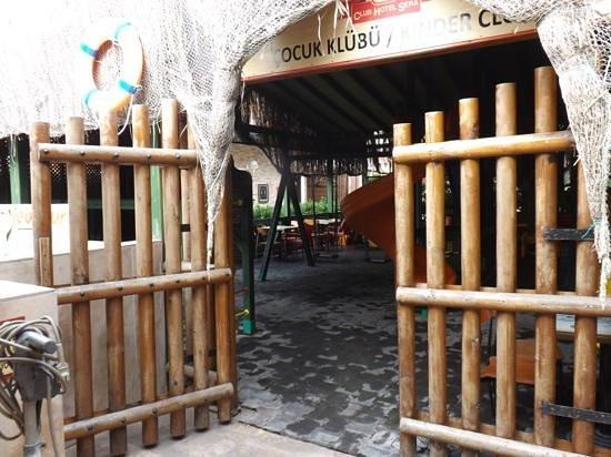 Club Hotel Sera :                   le coin jeux enfants