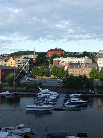 Radisson Blu Royal Garden Hotel, Trondheim: View from window at 23;00