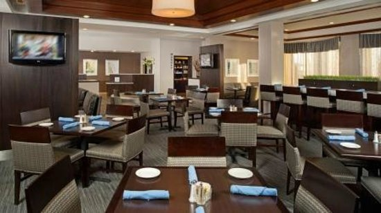 DoubleTree by Hilton Hotel Chicago Wood Dale - Elk Grove: Restaurant