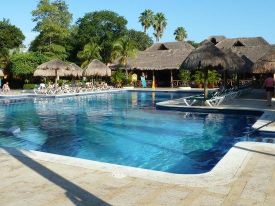 Hotel Riu Lupita:                   piscine à l'hôtel